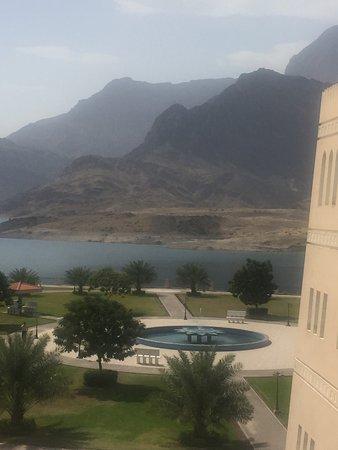 Wadi Al Arbeieen: beautiful dam in them middle of the desert