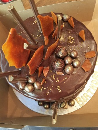 Bryanston, Sudáfrica: Chocolate Fudge Cake. Bespoke cakes made to order
