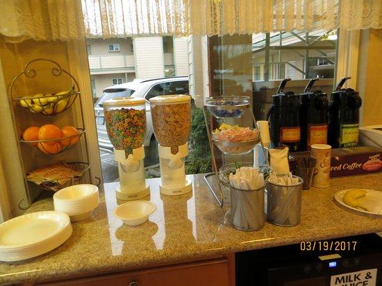 Roseburg, Oregón: Continental breakfast of sorts..