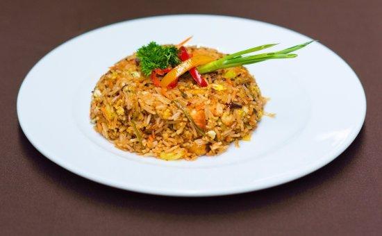 Хулхумале: O' View International Cuisine