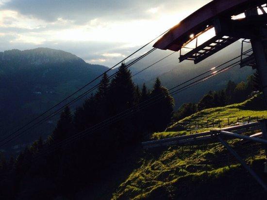 Dallenwil, Suíça: Morgenstimmung bei der Bergstation der Wirzwelibahn
