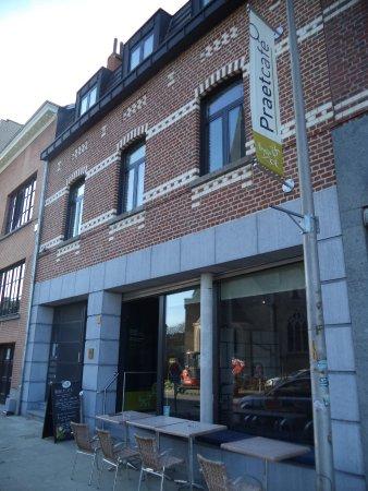 Dilbeek, Belgium: Vue de l'entrée