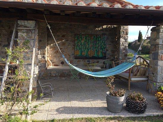 Semproniano, Italien: Patio