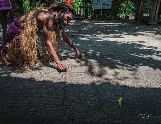 Mele, Vanuatu: Sand writing