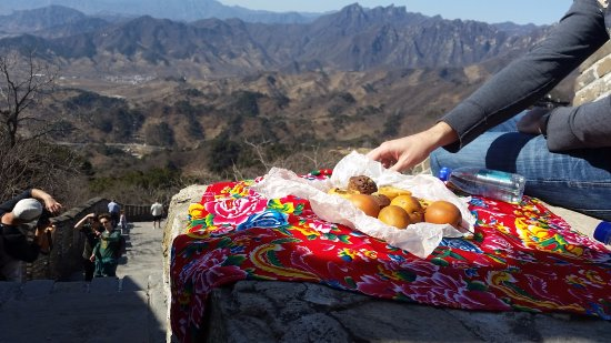 Brickyard Retreat at Mutianyu Great Wall: Picnicing with left over breakfast, up top of Tower 1 Mutianyu - big climb!