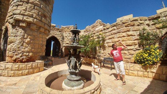 Fouriesburg, South Africa: Courtyard of Castle