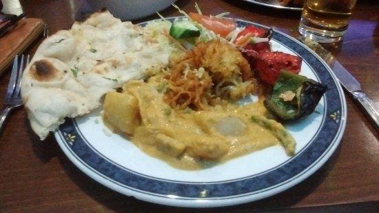Basildon, UK: Vegetable Korma with Chicken Shaslick, Onion Bhaji & Pilau Rice