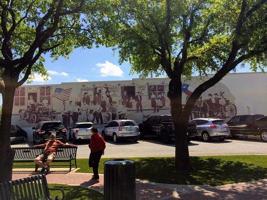 เกรปไวน์, เท็กซัส: Grapevine Historic Main Street District