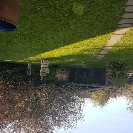 Elm Farm Country House: 20170326_092942_large.jpg