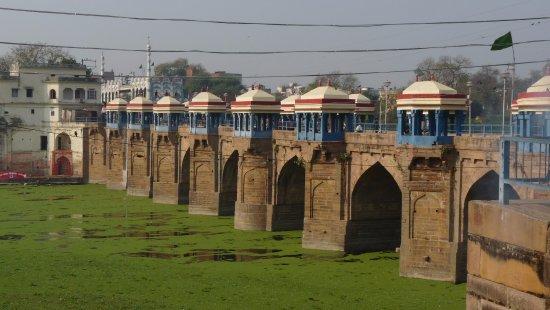 Jaunpur 호텔