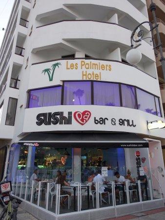 Sushi La Bar - Larnaca: ホテルの1階にあります