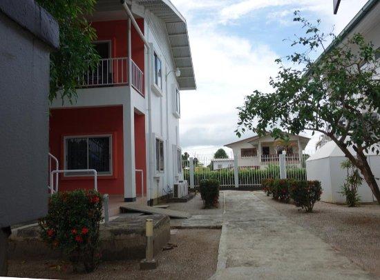 Hotel Residence Inn Paramaribo : twee etage gebouwen