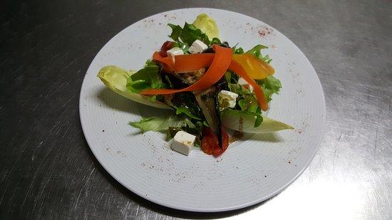 Entraigues-sur-la-Sorgue, Francia: Restaurant Les 4'Saisons