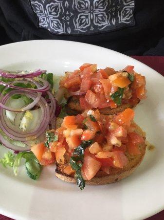 Fairford, UK: Traditional tomato bruschetta