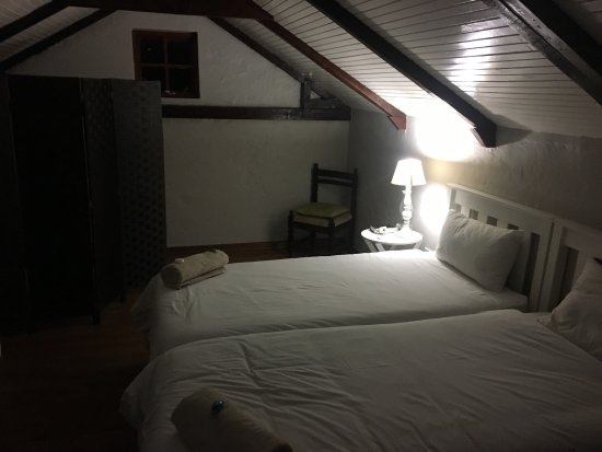 Fort Beaufort, South Africa: Double storey 4 sleeper - very clean and neat