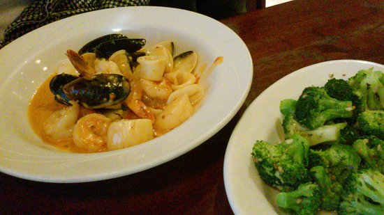 Douglassville, Pensilvania: Sea food/ brocolli