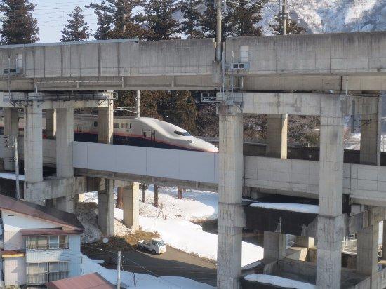 Ichikoshi: 【再訪】部屋から見える新幹線