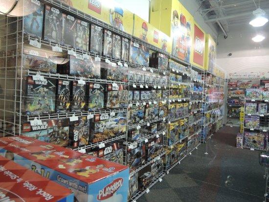 Toys R Us Mall : Manhattan mall内のtoys quot r us bild från mall