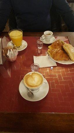 Volpiano, Italie : Petit-Déjeuner