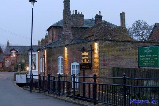 Harnham, UK: Facade avant du bâtiment.