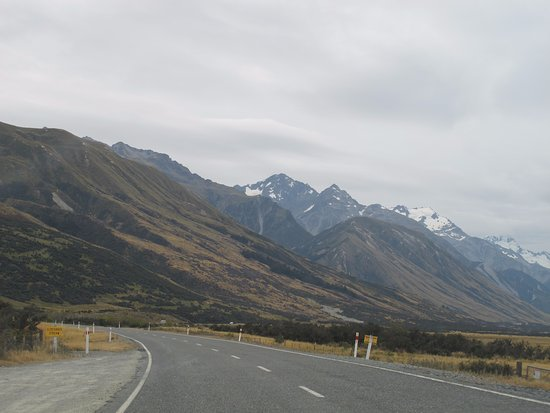 Mt. Cook Village, Nuova Zelanda: 前往庫克山的路上
