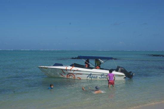 Ile aux Cerfs: Speed Boat Aqua Soleil