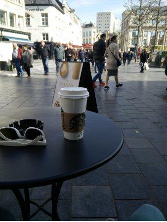 Starbucks: 26/03/2017 Nice day to enjoy a Starbukcs