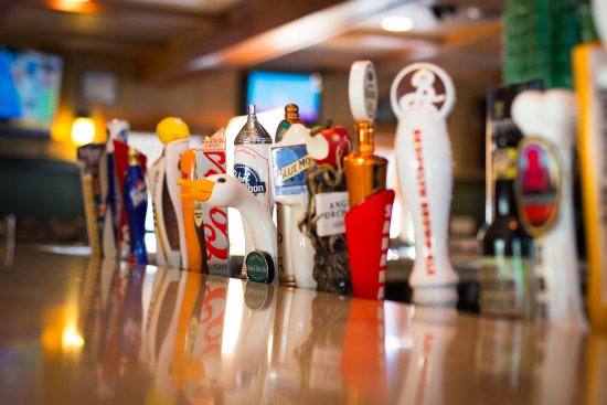 Clifton Park, Nova York: Cold beer and warm hospitality is on tap at The Rusty Nail.