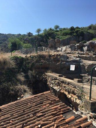 Grotto of the Seven Sleepers: Yedi uyurlardan Selçuk manzarası