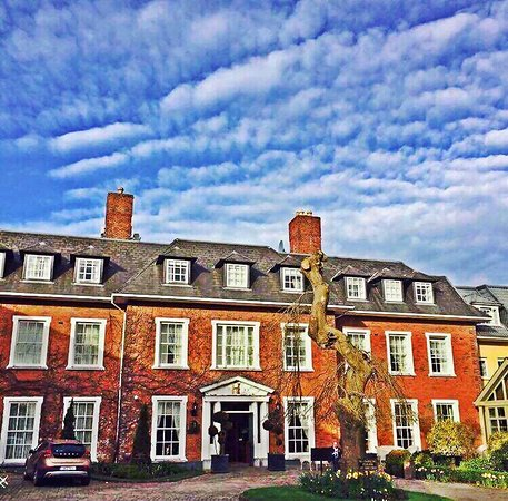 Hayfield Manor Hotel: Beautiful days at Hayfield Manor
