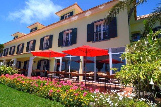 Estreito da Calheta, Portugal: Terrasse auch zum Frühstücken und Abendessen