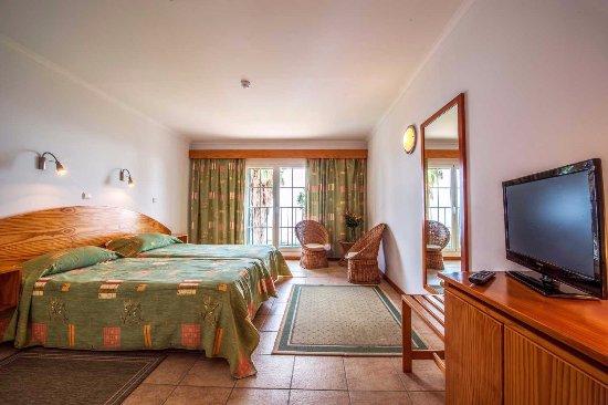 Estreito da Calheta, Portugal: Geräumige Zimmer