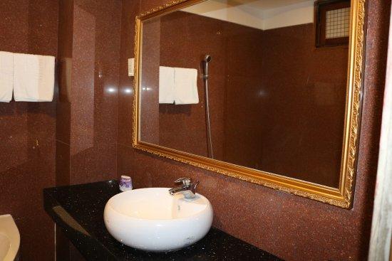 Thanh Binh III Hotel: Sink