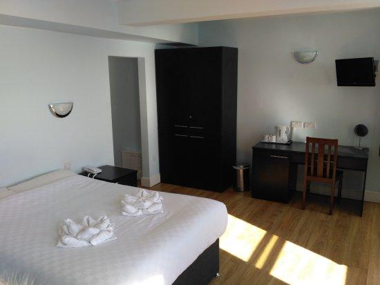 웨스트 비치 호텔