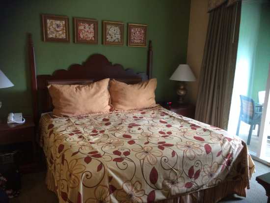 Mizner Place at Weston Town Center: Bedroom, A Unit