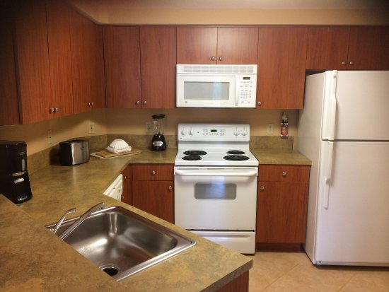 Mizner Place at Weston Town Center: Kitchen, A Unit