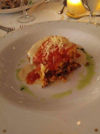 Ocean Coral & Turquesa: Delicious lasagna in Italian restaurant