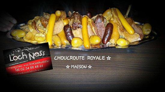 Romorantin-Lanthenay, France: CHOUCROUTE ROYALE MAISON