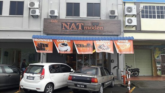 Kuala Perlis, มาเลเซีย: Front view of the Cafe Nat Moden