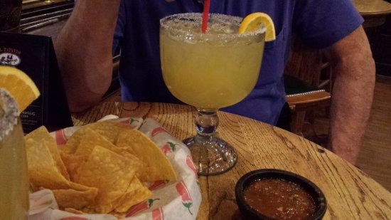 Lakewood, CO: Margarita, chips and salsa