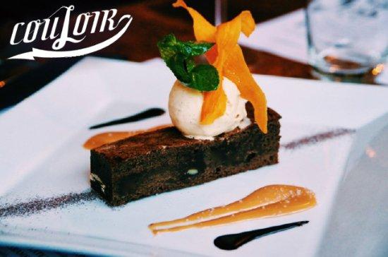 Couloir Bar & Restaurant : Homemade double-chocolate brownie, with salted caramel sauce and vanilla pod ice cream.