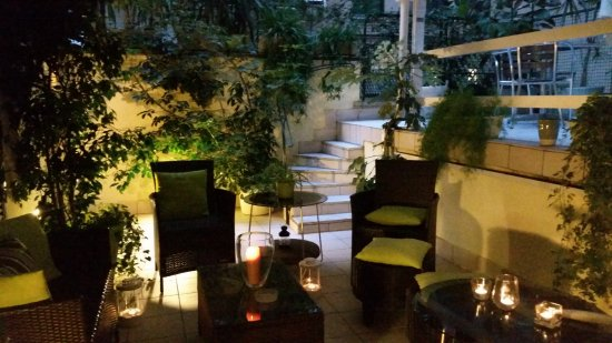 Candele Da Esterno Roma : Terrazzo con candele foto di innvatican roma tripadvisor