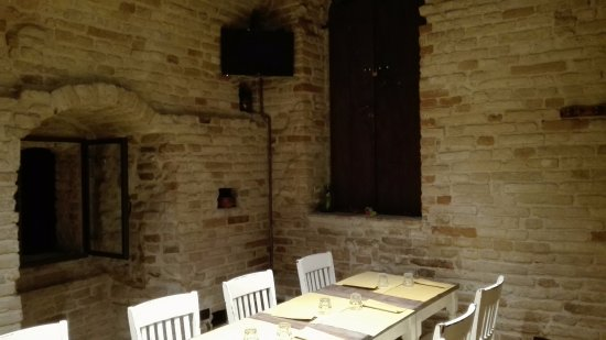 Montottone, Itália: saletta al primo piano