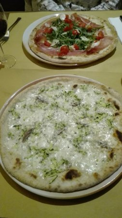 Montottone, Itália: pizze