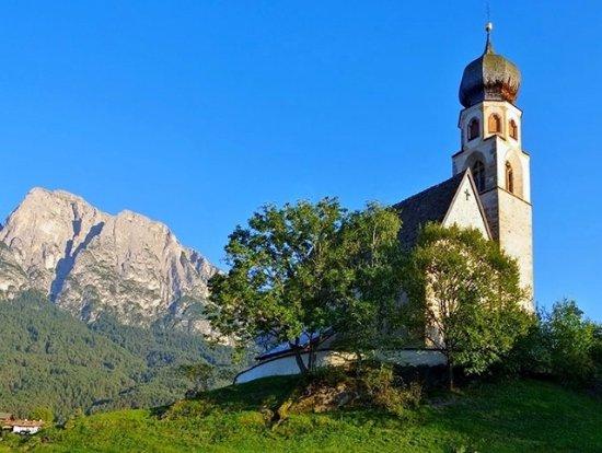 Fie allo Sciliar, อิตาลี: L'esterno della chiesa