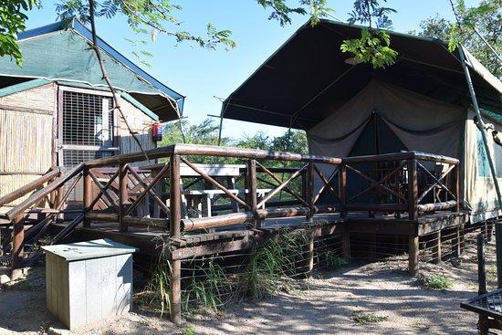 Hluhluwe Game Reserve, África do Sul: Zelt von aussen