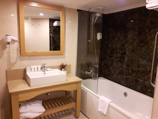 De badkamer - Bild von Limak Arcadia Golf & Sport Resort, Belek ...