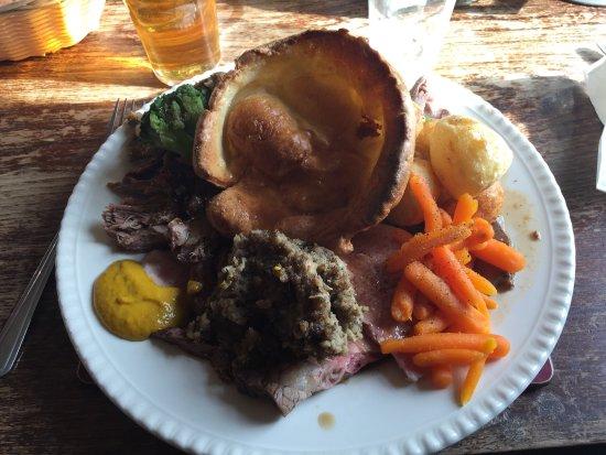 Macclesfield, UK: Sunday roast