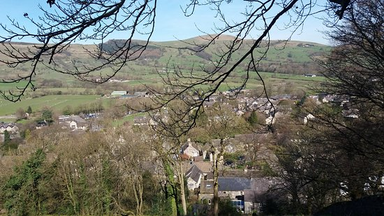 Castleton, UK: looking out over the village