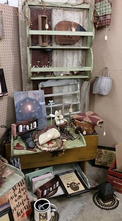 Lebanon, MO: From antiques to rustic & more, we have it!